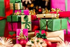 Ο σωρός των Χριστουγέννων παρουσιάζει στοκ εικόνες