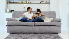 Ο σύζυγος και η σύζυγος έχουν τη διασκέδαση απόθεμα βίντεο