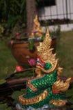 Ο ταϊλανδικός πράσινος δράκος προστατεύει το σπίτι Στοκ φωτογραφία με δικαίωμα ελεύθερης χρήσης