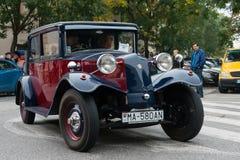 Ο τελευταίος ανεφοδιασμός σε καύσιμα - οχήματα παλαιμάχων που συναντιούνται, Pezinok, Σλοβακία Στοκ Φωτογραφία