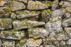 Ο τοίχος βράχου έχτισε το συσσωρευμένο υπόβαθρο βρύου Στοκ φωτογραφία με δικαίωμα ελεύθερης χρήσης