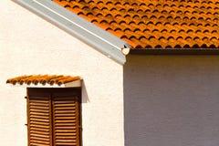 Ο τοίχος και το παράθυρο, mediterranian αρχιτεκτονική Στοκ φωτογραφία με δικαίωμα ελεύθερης χρήσης