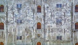 Ο τοίχος του παλαιού κτηρίου στο Ταλίν Στοκ φωτογραφία με δικαίωμα ελεύθερης χρήσης
