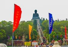 Ο τουρίστας επισκέφτηκε το γιγαντιαίο άγαλμα Tian Tan Βούδας στην αιχμή του βουνού Po Lin στο μοναστήρι στο νησί Lantau, Χονγκ Κο Στοκ φωτογραφίες με δικαίωμα ελεύθερης χρήσης