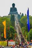 Ο τουρίστας επισκέφτηκε το γιγαντιαίο άγαλμα Tian Tan Βούδας στην αιχμή του βουνού Po Lin στο μοναστήρι στο νησί Lantau, Χονγκ Κο Στοκ Εικόνες