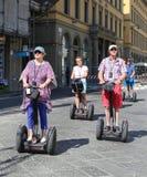 Ο τουρίστας που οδηγά μια τροχαλία στη Φλωρεντία, Ιταλία, Στοκ Φωτογραφίες