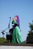 Ο τραγουδιστής γυναικών αποδίδει στον εορτασμό Sabantui στη Μόσχα Στοκ εικόνα με δικαίωμα ελεύθερης χρήσης