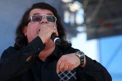 Ο τραγουδιστής και ο συνθέτης Igor Kornelyuk Ημέρα της ρωσικής κρατικής σημαίας Στοκ Εικόνα