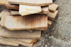 Ο τραχύς ψαμμίτης κόβεται στα ορθογώνια φύλλα Στοκ φωτογραφία με δικαίωμα ελεύθερης χρήσης