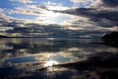 ο τρισδιάστατος ωκεανός δίνει τον ουρανό σκηνής στοκ φωτογραφίες με δικαίωμα ελεύθερης χρήσης