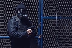 Ο τρομοκράτης με το αέριο Στοκ φωτογραφία με δικαίωμα ελεύθερης χρήσης