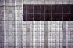 Ο τρύγος τόνισε τον παλαιό τοίχο κεραμικών κεραμιδιών Στοκ Εικόνες