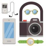 Ο τρύγος όρισε το διανυσματικό στοιχείο συσκευών προτύπων σημαδιών και συμβόλων εικονιδίων σχεδίου hipster και άλλη απεικόνιση πρ ελεύθερη απεικόνιση δικαιώματος