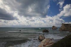 Ο τόπος γεννήσεως Aphrodite στη Κύπρο μετά από μια θύελλα Στοκ Φωτογραφία