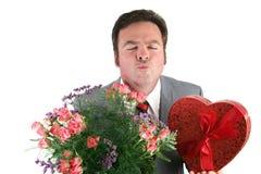ο τύπος με φιλά βαλεντίνο&sig στοκ φωτογραφίες με δικαίωμα ελεύθερης χρήσης