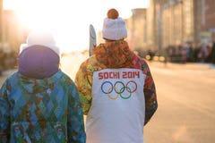 Ολυμπιακή φλόγα Sochi 2014 ηλεκτρονόμων στοκ εικόνες με δικαίωμα ελεύθερης χρήσης