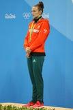 Ολυμπιακός πρωτοπόρος Katinka Hosszu της Ουγγαρίας κατά τη διάρκεια της τελετής μεταλλίων μετά από τελικό ύπτιου γυναικών ` s 100 στοκ εικόνες