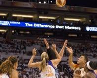 Ο υδράργυρος WNBA Phoenix κερδίζει γύρω από ένα από τελικά στοκ φωτογραφίες με δικαίωμα ελεύθερης χρήσης