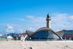 Ο φάρος στην παραλία σε Warnemuende, Γερμανία Στοκ φωτογραφία με δικαίωμα ελεύθερης χρήσης