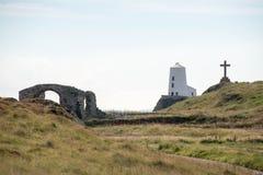 Ο φάρος στο νησί Ynys Llanddwyn σε Anglesey, βόρεια Ουαλία Στοκ φωτογραφία με δικαίωμα ελεύθερης χρήσης