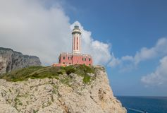 Ο φάρος Faro Di Punta Carena στο νησί Capri, Ιταλία στοκ εικόνες με δικαίωμα ελεύθερης χρήσης