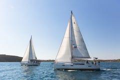 16ο φθινόπωρο 2016 Ellada regatta ναυσιπλοΐας μεταξύ της ελληνικής ομάδας νησιών στο Αιγαίο πέλαγος, στις Κυκλάδες και το Σαρωνικ Στοκ φωτογραφία με δικαίωμα ελεύθερης χρήσης