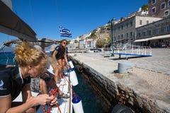 16ο φθινόπωρο 2016 Ellada regatta ναυσιπλοΐας μεταξύ της ελληνικής ομάδας νησιών στο Αιγαίο πέλαγος, στις Κυκλάδες και το Σαρωνικ Στοκ Φωτογραφίες