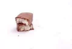 Ο φραγμός σοκολάτας με την καρύδα γεμίζει Στοκ Φωτογραφία