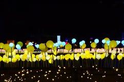 Ο φωτισμός του τετραγώνου νύχτας στοκ φωτογραφίες