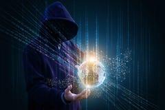 Ο χάκερ εισάγει το δίκτυο Ίντερνετ Στοκ φωτογραφία με δικαίωμα ελεύθερης χρήσης