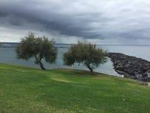 Ο χαμηλώνοντας σκοτεινός ουρανός πέρα από Tenerife Στοκ Εικόνες