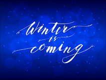 Ο χειμώνας είναι ερχόμενη επιγραφή εγγραφής χεριών Στοκ Φωτογραφίες