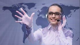 Ο χειριστής τηλεφωνικών κέντρων στη σφαιρική επιχειρησιακή έννοια Στοκ φωτογραφία με δικαίωμα ελεύθερης χρήσης