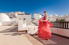 ο χορευτής χορεύει flamenco ανεμιστήρων απεικόνιση ισπανικά κοριτσιών Στοκ εικόνα με δικαίωμα ελεύθερης χρήσης