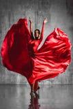 ο χορευτής χορεύει flamenco ανεμιστήρων απεικόνιση ισπανικά κοριτσιών Στοκ φωτογραφία με δικαίωμα ελεύθερης χρήσης