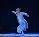 Ο χορός εγχώριων πολεμιστής-πανεπιστημιουπόλεων Στοκ Εικόνες