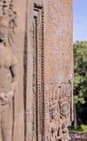 Ο χορός Apsaras ομορφιάς μια παλαιά Khmer γλυπτική πετρών άμμου τέχνης της θέσης Apsara στον τοίχο στη παγκόσμια κληρονομιά, Siem Στοκ φωτογραφία με δικαίωμα ελεύθερης χρήσης