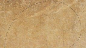Ο χρυσός αριθμός ακολουθίας του Φιμπονάτσι σε παλαιό χαρτί απεικόνιση αποθεμάτων