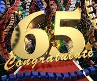 Ο χρυσός αριθμός εξήντα πέντε με τη λέξη συγχαίρει σε ένα υπόβαθρο των ζωηρόχρωμων κορδελλών και του χαιρετισμού τρισδιάστατη απε ελεύθερη απεικόνιση δικαιώματος