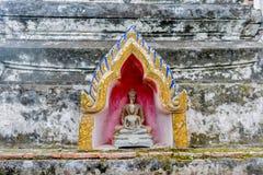 Ο χρυσός Βούδας στην παγόδα Στοκ Φωτογραφία