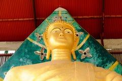 Ο χρυσός Βούδας τρεις παγόδες, θρησκευτικά σύμβολα βασισμένα στο βιρμανό πόλεμο Ταϊλάνδη στις 6 Μαΐου 2018 Στοκ εικόνες με δικαίωμα ελεύθερης χρήσης