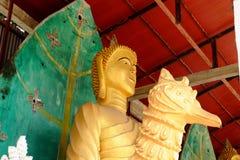 Ο χρυσός Βούδας τρεις παγόδες, θρησκευτικά σύμβολα βασισμένα στο βιρμανό πόλεμο Ταϊλάνδη στις 6 Μαΐου 2018 Στοκ φωτογραφίες με δικαίωμα ελεύθερης χρήσης