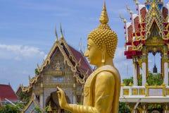 Ο χρυσός Βούδας στο ναό Ταϊλάνδη Στοκ Εικόνες