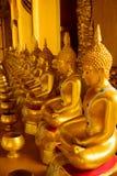 Ο χρυσός Βούδας στο ναό Στοκ Εικόνες