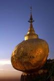 Ο χρυσός βράχος σε Kyaiktiyo, το Μιανμάρ Στοκ Εικόνες