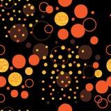 Ο χρυσός κύκλων ακτινοβολεί σκοτάδι φορά το άνευ ραφής σχέδιο προσοχής ` τ ελεύθερη απεικόνιση δικαιώματος
