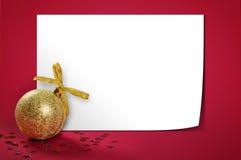 Ο χρυσός Χριστουγέννων ακτινοβολεί μπιχλιμπίδι Στοκ Φωτογραφίες