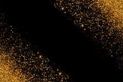 Ο χρυσός Defocused ακτινοβολεί με τα φω'τα σπινθήρων πυράκτωσης σε ένα μαύρο υπόβαθρο τρισδιάστατη αμερικανική καρτών χρωμάτων έκ Στοκ φωτογραφία με δικαίωμα ελεύθερης χρήσης