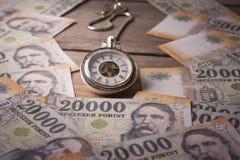 Ο χρόνος είναι έννοια χρημάτων Στοκ εικόνες με δικαίωμα ελεύθερης χρήσης