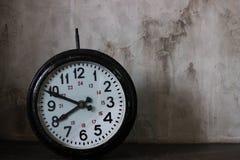Ο χρόνος είναι πηγαίνει Στοκ Φωτογραφίες